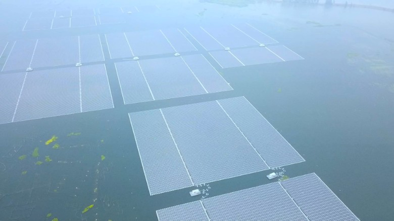 Cost Of Oil Change >> This solar farm floats atop a flooded coal mine - Video ...