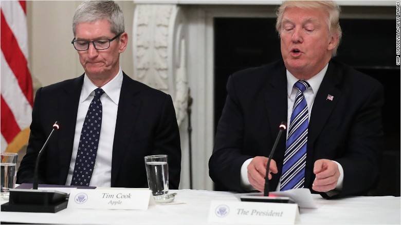 Apple's Tim Cook: I disagree with Trump on Charlottesville