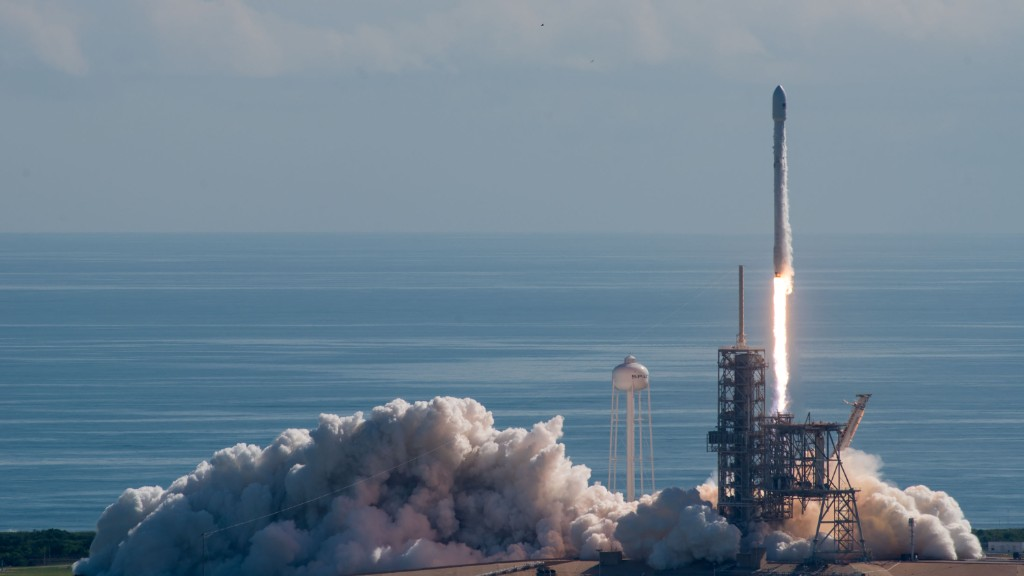 SpaceX launches secretive space plane