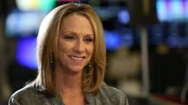 Beth Mowins becomes first woman in 30 years to call an NFL game