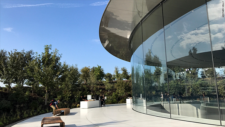 apple event jobs theater exterior