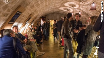 Paris Guide To Living Like A Local Caves Du Louvre Bar