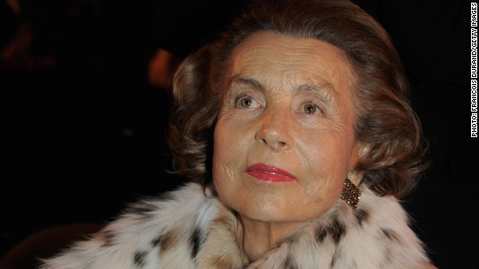 The world's richest woman dies