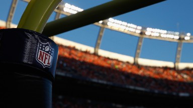NFL, Facebook partner to show game highlights, recaps