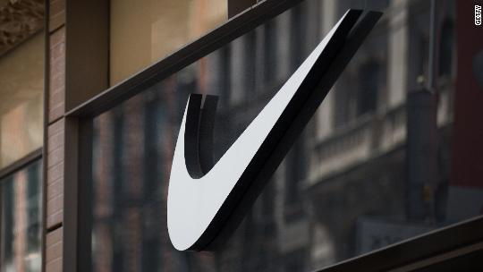 Nike sides with NFL players in Trump showdown