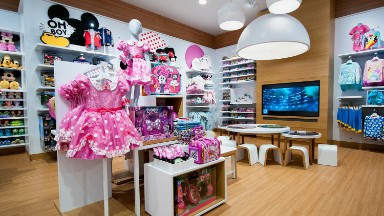 New Disney stores bring theme parks to you