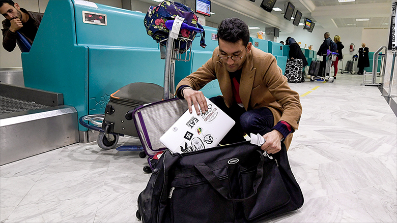 Laptops could be banned from checked airline bags due to fire risk