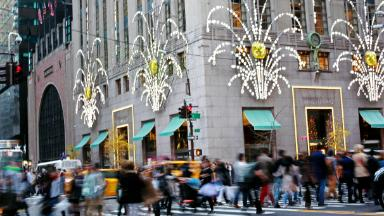Retailers get ready for festive shoppers