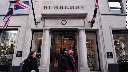 Burberry shares plummet as overhaul plans fall flat
