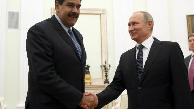 Putin extends lifeline to cash-strapped Venezuela