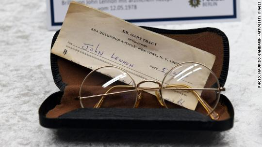 John Lennon diary stolen from Yoko Ono recovered