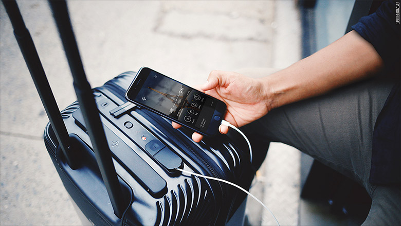 Most U S Airlines Set To Limit Use Of Smart Bags