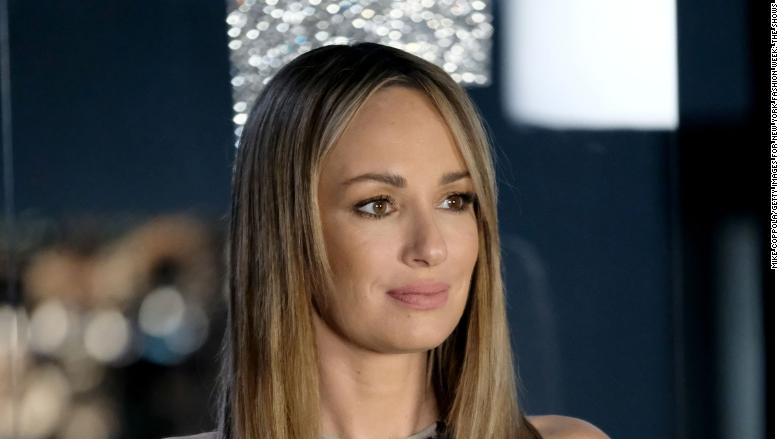 US TV presenter Catt Sadler leaves E! News over gender pay gap