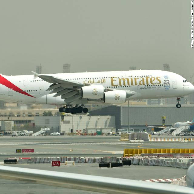 Emirates hands Arsenal $280 million in record sponsorship deal