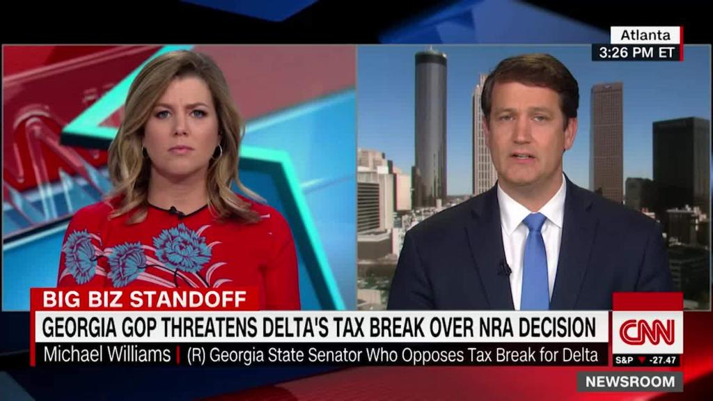 CNN anchor questions Georgia lawmaker over Delta