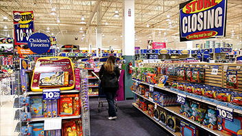 Amazon didn't kill Toys 'R' Us. Here's what did