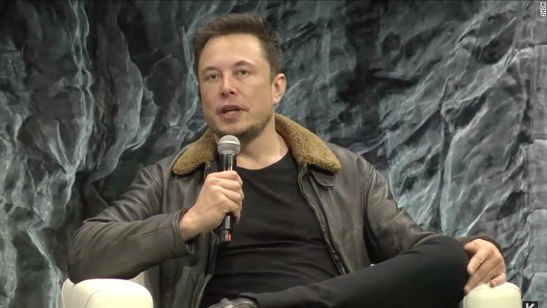 Elon Musk: Mars rocket will fly 'short flights' next year