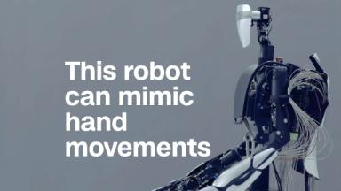 This robot can mimic human hand movements in real time