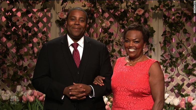 'SNL' Cast Members Are Joined by Their Moms During Cold Open