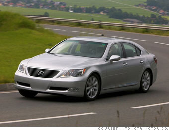 Luxury sedan: Lexus LS460L