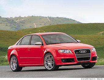 Small sedan: Audi RS4
