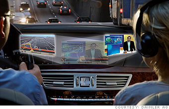 Mercedes-Benz: SplitView screen
