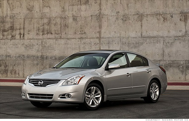 Family Sedan - Nissan Altima