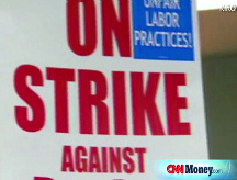 Boeing union threatens strike