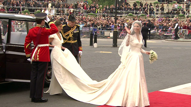 The Royal Wedding: Prince William and Kate's wedding extravaganza begins