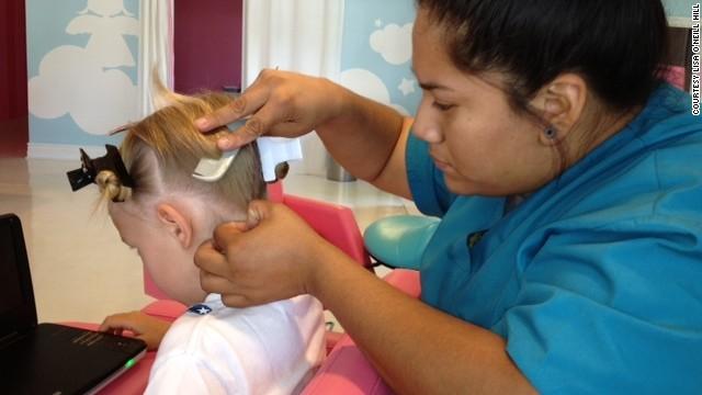 como desprender las liendres muertas del pelo