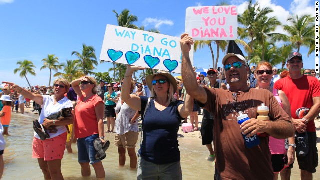 A crowd cheers as they await Nyad in Key West on September 2.
