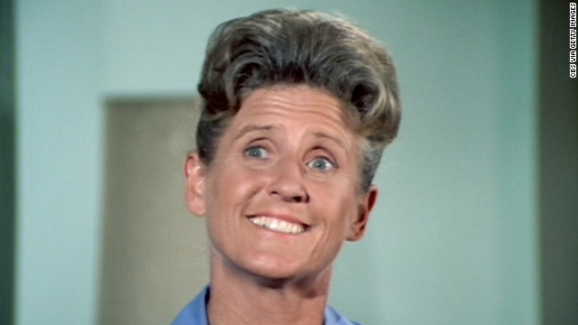 """Everyone's favorite housekeeper, Alice Nelson, was played by Ann B. Davis on the sitcom. Davis died on Sunday, June 1, after suffering a subdural hematoma the day before. She never regained consciousness.  https://www.youtube.com/watch?v=ld__suxsY8o Davis retired from show business in the late '70s, but popped up here and there. Davis appeared in commercials and several stage productions, and in the 1995 """"Brady Bunch"""" movie, she played a truck driver, convincing a runaway Jan (Jennifer Elise Cox) to return home."""