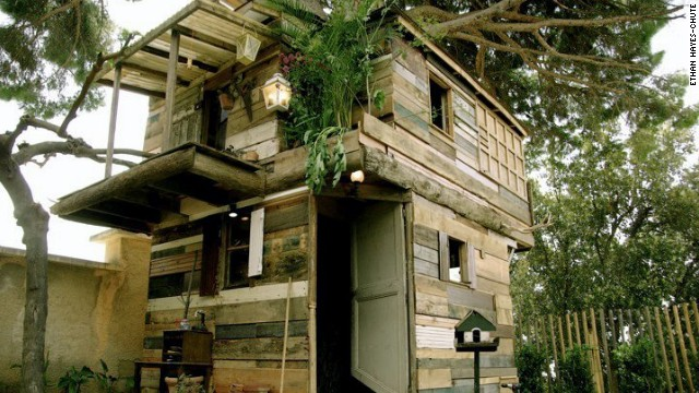 Treehouse designs are deliberately non-polished, to encourage confidence that anybody could build one.