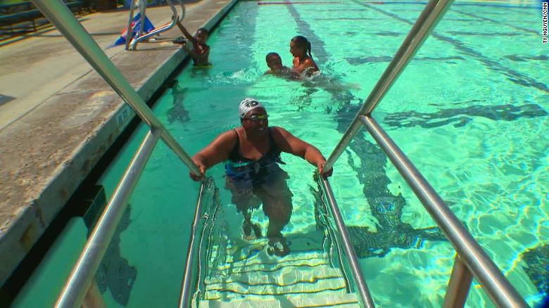 blind woman saved her life by learning to swim at 50 health