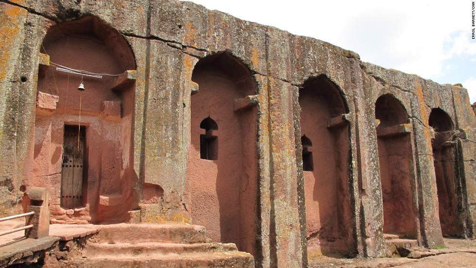 In Lalibela, the many sacred sites are linked by tunnels. The chiseled creations have turned this mountain town into a place of pride and pilgrimage for worshipers of the Ethiopian Orthodox Church, attracting 80,000 to 100,000 visitors every year.