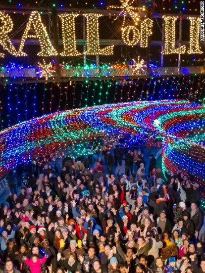 Best places to see christmas lights in austin tx for Places to visit during christmas in usa