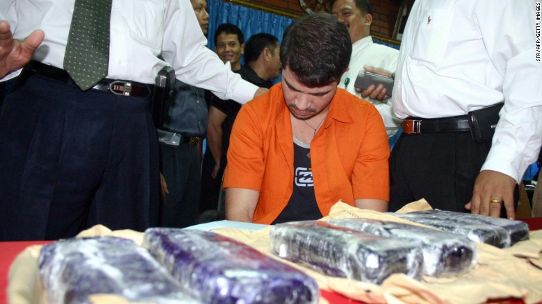 Brazilian Rodrigo Gularte seen with 6kg of cocaine at the Customs office of Sukarno-Hatta airport in Tangerang, 05 August 2004.