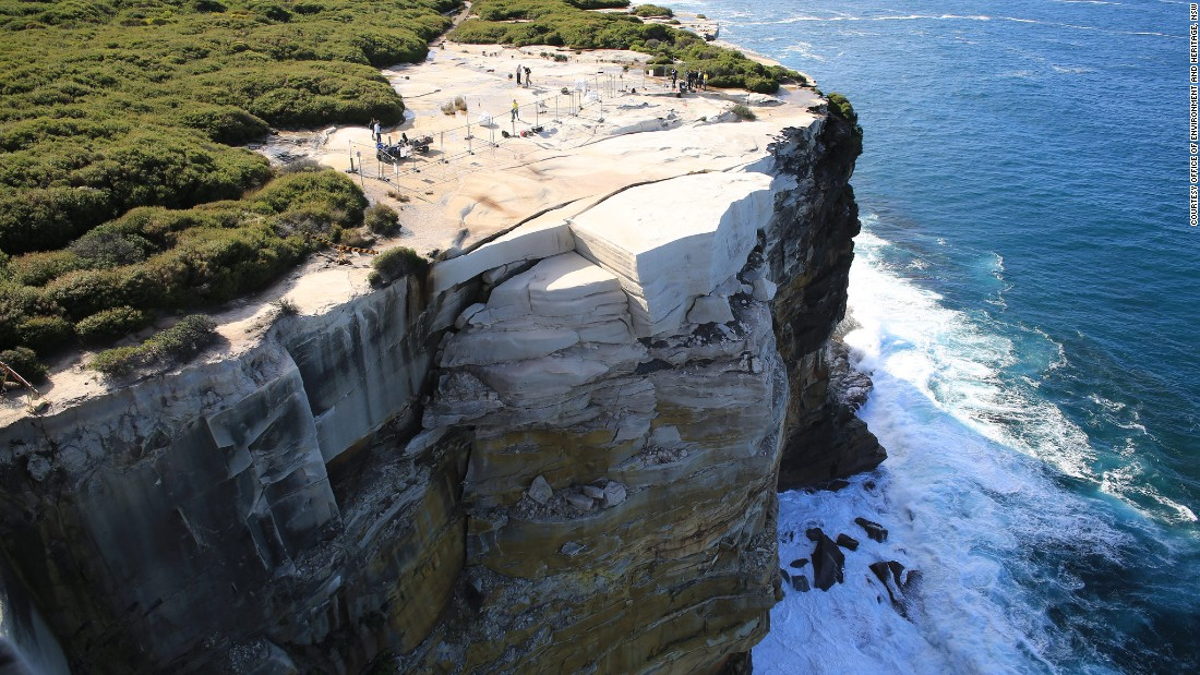 sydney wedding cake rock address australia s wedding cake rock may collapse into the sea 20715