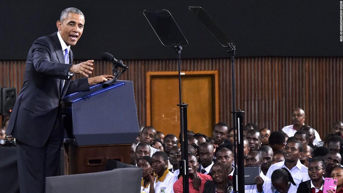 Obama habla en el Moi International Sports Center en Nairobi el 26 de julio El líder estadounidense ofreció su propia historia personal como evidencia de que todos los africanos tienen el potencial de aumentar de incluso las circunstancias más difíciles.