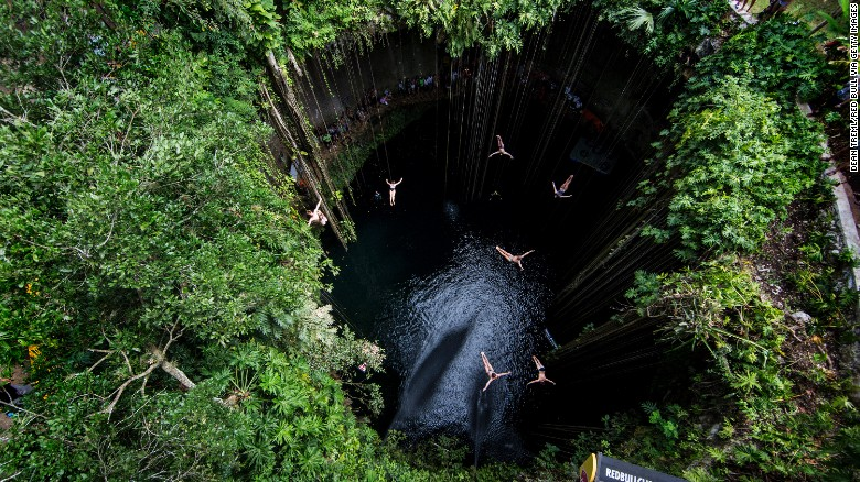 This beautiful pool sits 26 meters below ground. At 60 meters wide and 39 meters deep, Ik Kil Cenote has been the competition venue for Red Bull Cliff Diving World Series three times.