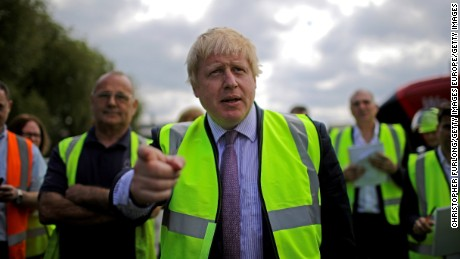 Speak English, Brexit campaigners tell would-be migrants