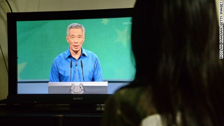 Singapore PM Lee Hsien Loong trembles, falls during National Day speech