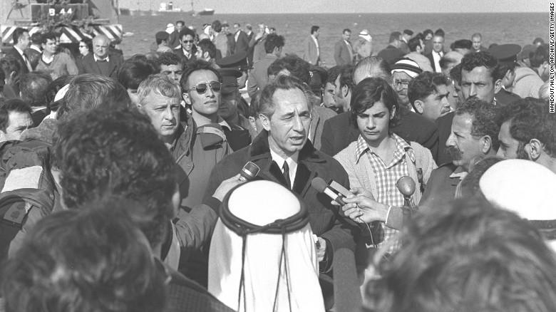 Peres held many cabinet positions, including transportation secretary.