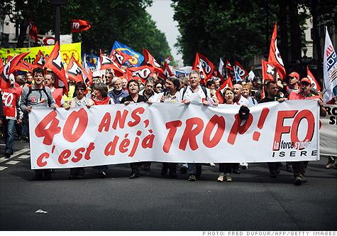 france_protest.gi.top.jpg