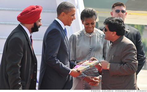 obama_chavan.gi.top.jpg