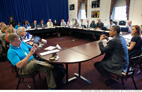 Obama offers financial advice at conference