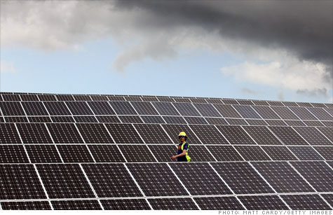 Falling prices helped to bankrupt Solyndra. The Energy Department has $806 million riding on similar solar firms, are they also doomed?