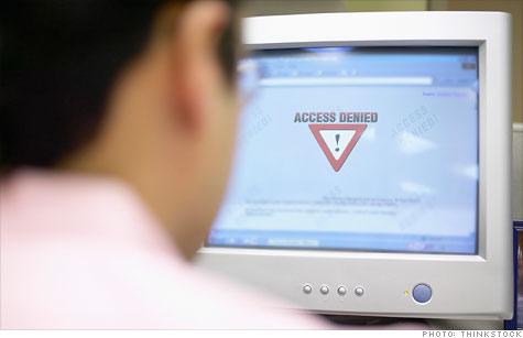 Internet routing glitch kicks millions offline