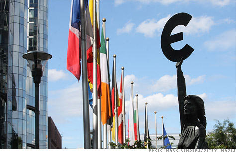Moody's says reviews of banks in Europe and around the world are due to ongoing pressure from crisis.