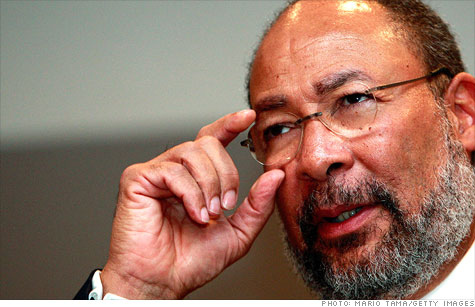 Citigroup chairman Richard Parsons will be stepping down in April, the bank announced Friday.